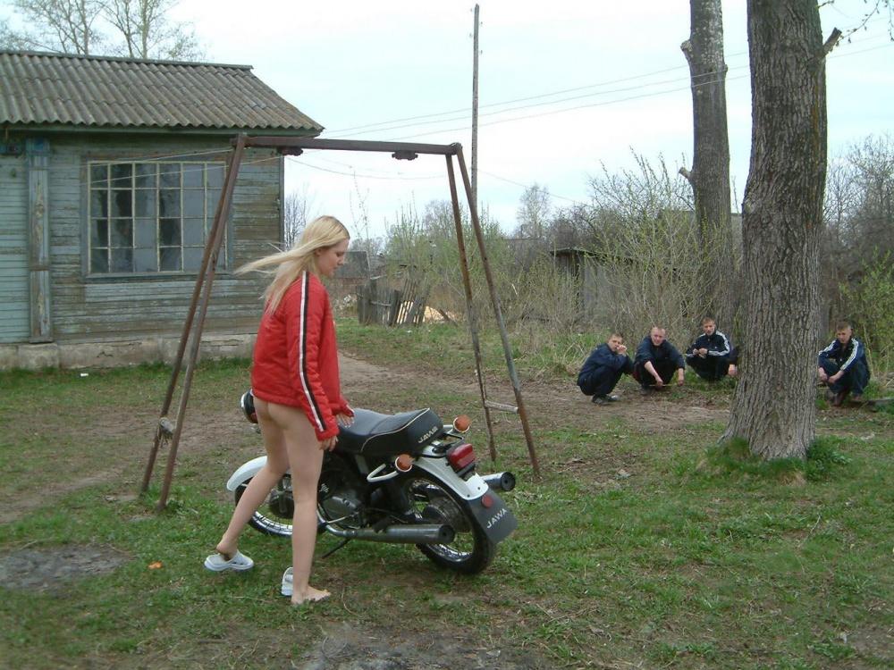 Трахает деревенские школьники в деревне фото 646-861